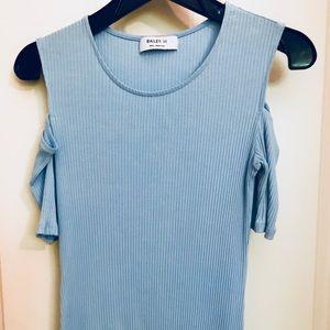 Bailey 44 light blue cold shoulder knit top Sm